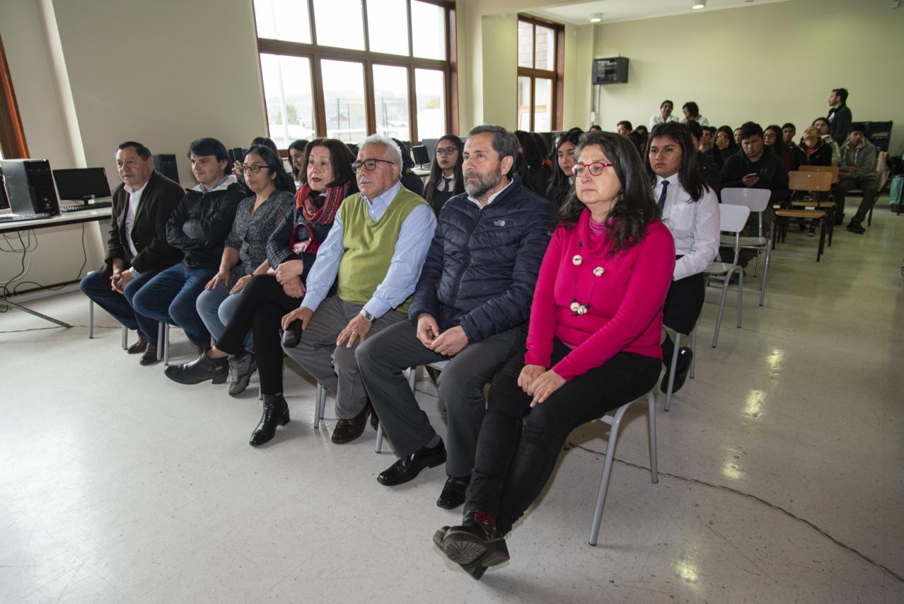 Inauguración exposición_Liceo Curaco-1